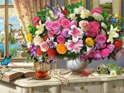 flores de verano y taza de te